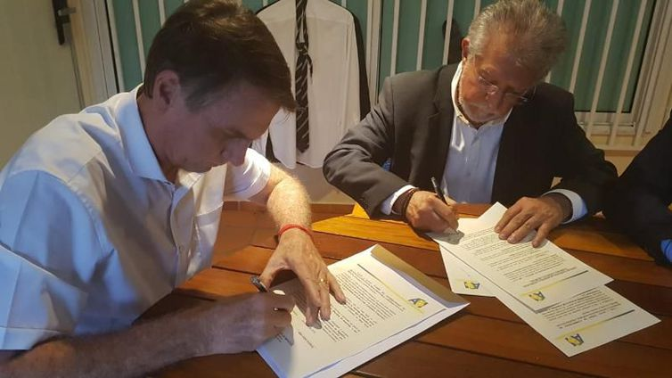 ONU critica Bolsonaro por defender política de mineração na Amazônia.